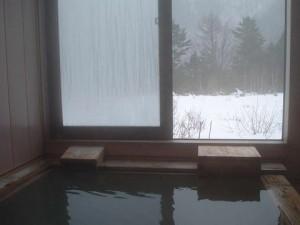 お風呂の窓から